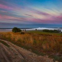Спускаясь к туманной реке... :: Roman Lunin