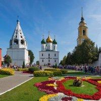 Соборная площадь Коломенского Кремля :: Владимир Брагилевский