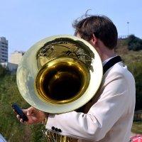 Большая труба пашет, а маленькая тратит. :: Татьяна Помогалова