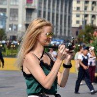 Девушка в городе :: Яша Баранов
