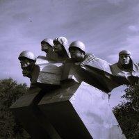 Памятник героям :: Анастасия