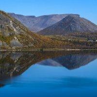 утром на озере Будъяврь :: Георгий
