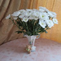 Белые хризантемы :: Natalia Harries