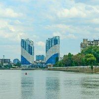 Вид с реки Кубань :: Николай Саржанов