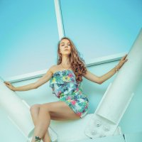 simply dress :: Vitaliy Dankov