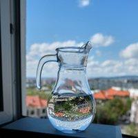 Портрет Кувшина с Водой на фоне Чёрного моря :: Валерий Дворников