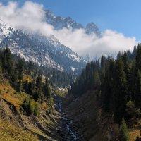 Сентябрьский погожий день в горах :: Сергей Мурзин