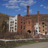 Старое здание Горно обогатительного комбината! :: Ирина Антоновна
