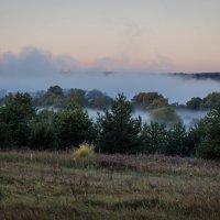 Туман над Окой. :: Валерий Гудков