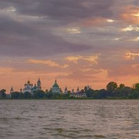 Закат на озере :: Наталья Рыжкова