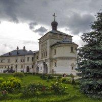 Успенский Трифонов мужской монастырь :: Сергей Цветков