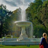 У фонтана в Собственном садике... :: Sergey Gordoff