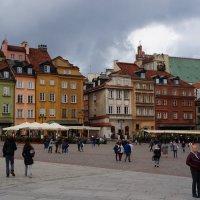 В центре города... Варшава :: Алёна Савина