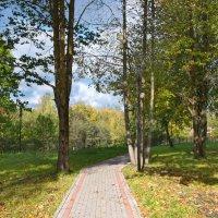 Осень в городском парке :: lady v.ekaterina