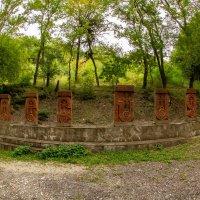 Захоронения у монастыря Сурб-Хач :: Serega