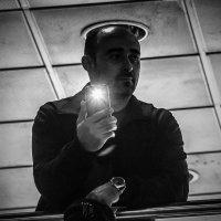 Несущий людям свет :: Сергей Елесин