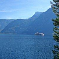 Гальштатское озеро...в Австрии... :: Galina Dzubina