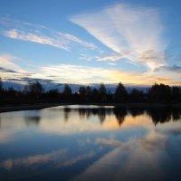 Осеннее небо на рассвете :: alek48s