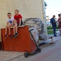 Мальчики и девочки – два разных мира :: Юрий Крюков