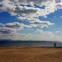 Осенний пляж. :: Александр Морозов