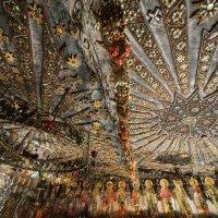 Нутро бисерного храма... Окрестности Качи-Кальона... The insides of the bead temple... The surroundi :: Сергей Леонтьев