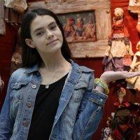 На выставке кукол :: ZNatasha -