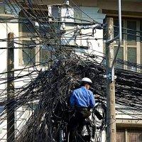 Зпутався в кабелях :: Степан Карачко