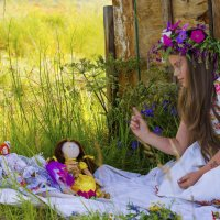 Девочка и куклы :: Ольга Черкес