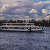 Прогулка по реке :: Ruslan