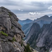 Взгляд в долину :: Ник Васильев