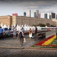контрасты столицы :: Олег Лукьянов