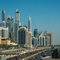дороги центра Дубая: 7 полос в одну сторону только :: Георгий А