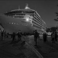 Вечер на Графской пристани :: Александр Соболев