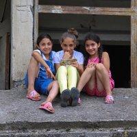 Девчонки из Армении :: skijumper Иванов