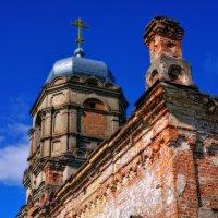 Церковь Николая Чудотворца  (только это от неё осталось) :: Геннадий Титоренко