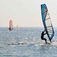 Серфинг – увлекательный водный спорт и развлечение. :: Ольга (crim41evp)