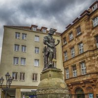 Памятник часовщику :: Сергей Цветков
