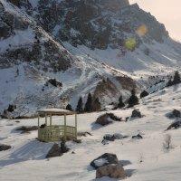 Беседка в горах :: Горный турист Иван Иванов