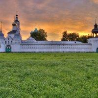 Толгский женский  монастырь ( Ярославль ) :: Сергей Поникаров