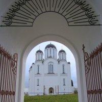 Вид на Кафедральный собор «Всех скорбящих Радость», г. Минск Беларусь :: Tamara *