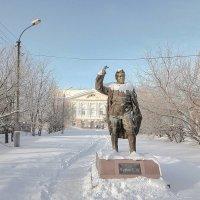 Одинокий памятник в городе Ачинске :: minua83 киракосян