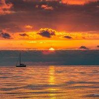 Я так люблю чарующий закат… :: Александр Пушкарёв