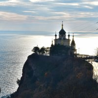 Форосская церковь. Вознеслась над морем... :: Ольга Голубева