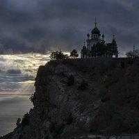 Храм на Кизил-Кая :: Игорь Кузьмин