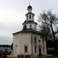Никольская церковь в ненастный день :: Дмитрий Солоненко