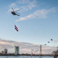 Репортаж с празднования столетия Латвии :: Regina