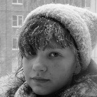 Девочка и снег! :: Валентина  Нефёдова