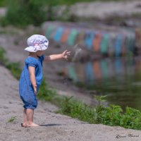 Малышка ... :: Евгений Хвальчев
