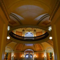 Входим внутрь здания Капитолия (штат Калифорния) :: Юрий Поляков