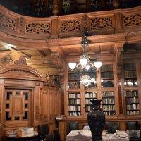 Библиотека в Доме Учёных. Санкт-Петербург :: Валерий Подорожный